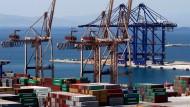 Über den Hafen von Piräus wickelt China schon heute einen Großteil des Geschäfts in Ost und Südeuropa ab.