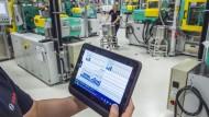 Maschinen werden miteinander vernetzt: Mit der Digitalisierung entstehen große Mengen von Daten