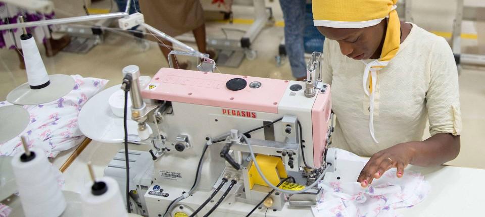 832bb173af8b56 Greenpeace lobt die Entgiftung der Textilproduktion