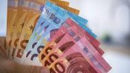 Streit ums Geld: Belasten Schulden die nächste Generation?