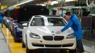 Glänzende Aussichten: BMW-Mitarbeiter dürfen sich über dicke Sonderzahlungen freuen.