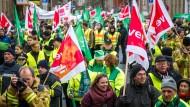 Gewerkschaften fordern 5,5 Prozent mehr Lohn für Landesangestellte