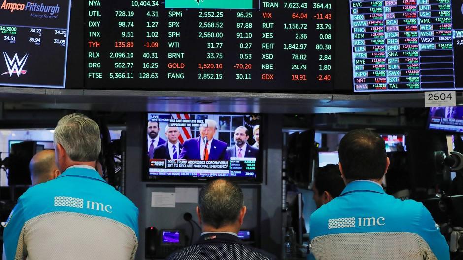 Trump auf einem Bildschirm an der New Yorker Börse: Der Präsidentenwahlkampf könnte zu einer höheren Volatilität an den Märkten führen.