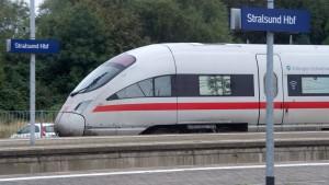 Mit 100 Prozent Ökostrom im Fernverkehr unterwegs