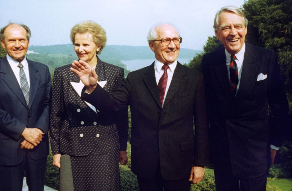 Als Erich Honecker 1987 die Bundesrepublik besuchte, ließ sich Berthold Beitz (r) mit ihm ablichten.