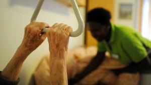 Im Jahr 2035 gibt es vier Millionen Pflegebedürftige in Deutschland