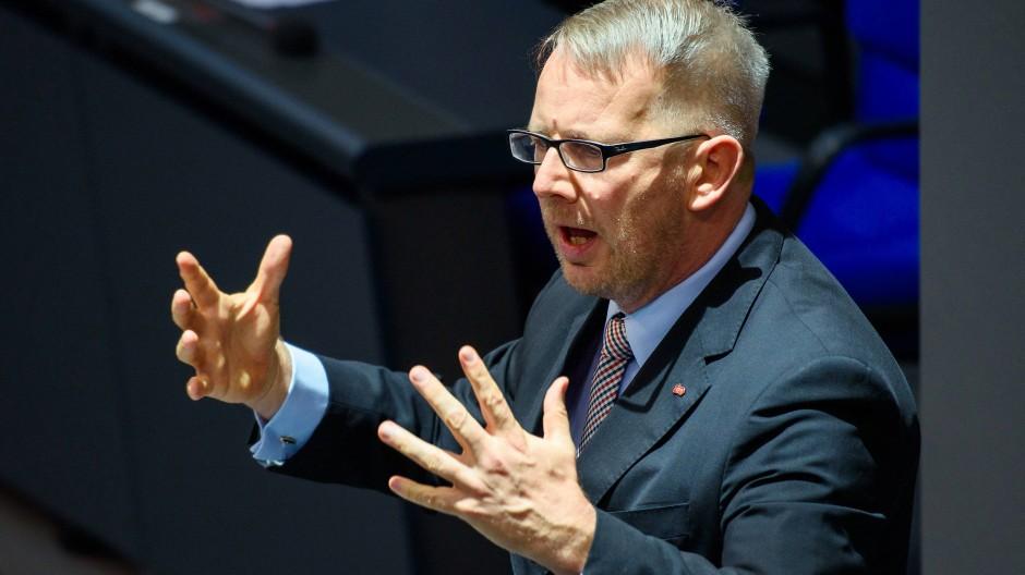 Kahrs saß für die SPD fast zwölf Jahre im Parlament, zwei Jahre lang saß er dem Haushaltsausschuss vor.
