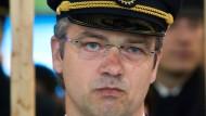 Ilja Schulz, Lufthansa-Pilot und Präsident der Vereinigung Cockpit (VC)