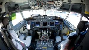 Zu klein fürs Cockpit
