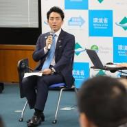 """""""Um die japanische Arbeitskultur zu verändern, bedarf es auch der Anstrengungen von oben"""", sagte Koizumi."""