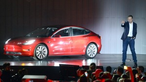 Tester rügen Teslas Model 3