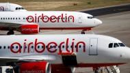 Air-Berlin-Flugzeuge in Berlin-Tegel