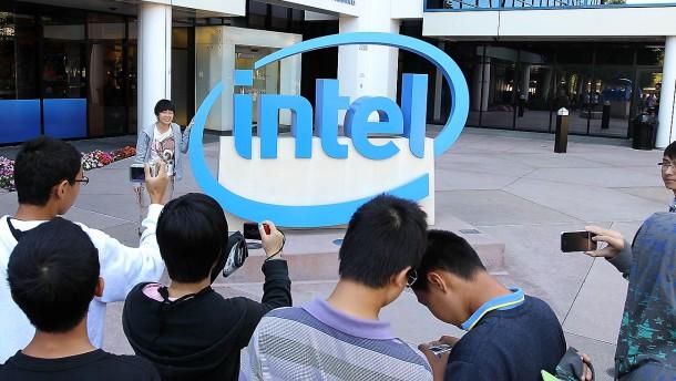 Intel steigert Umsatz deutlich