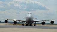 Eine Boeing 747 auf dem Vorfeld des Frankfurter Flughafens