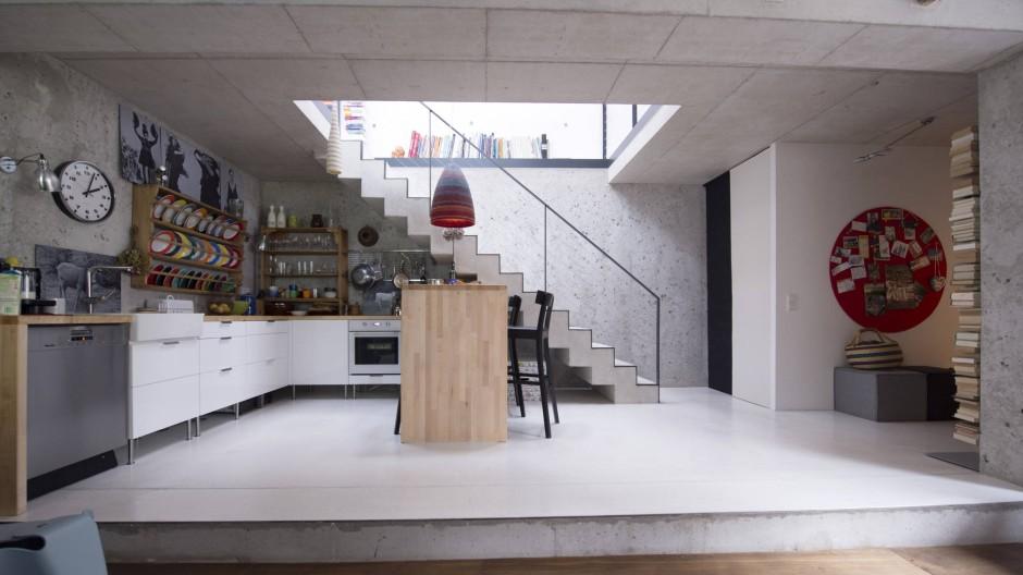 Gewonnen: Der Raum für die Küche ist neu und dem Hang abgetrotzt.