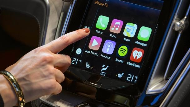 Apple überholt Google im Auto