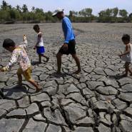 Komplett ausgetrocknete Böden auf den Philippinen.