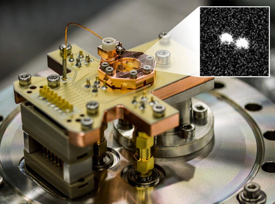Eine sogenannte Ionen-Falle. Mit ihr führt eine bestimmte Art von Quantencomputern die Berechnungen aus.