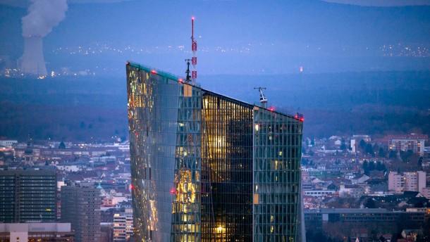 Gutachter: EZB darf Staatsanleihen kaufen