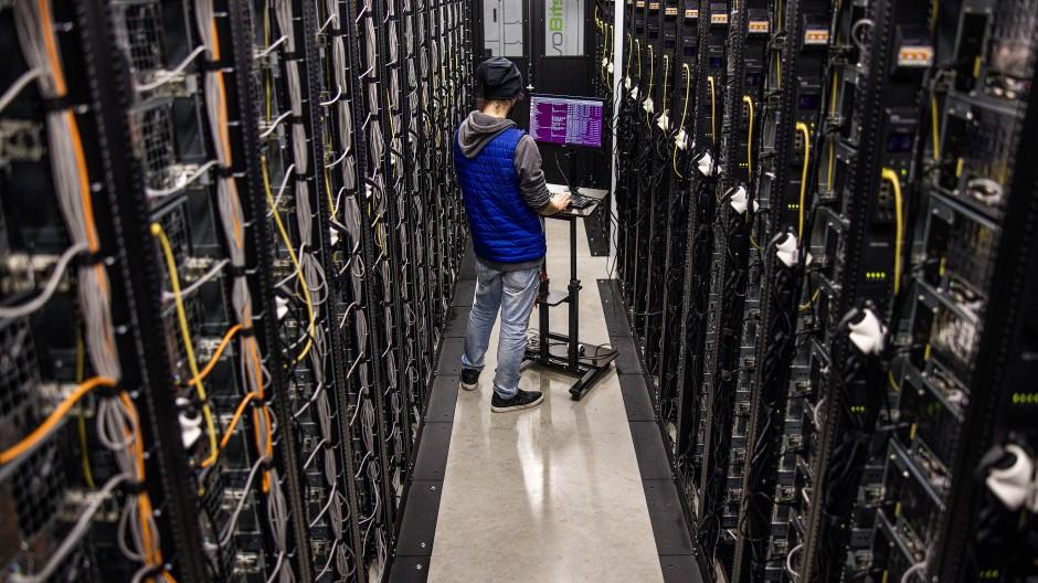 Krypto-Mine in Cluj (Rumänien): Um digitale Vermögenswerte zu schürfen, ist viel Computerleistung nötig.