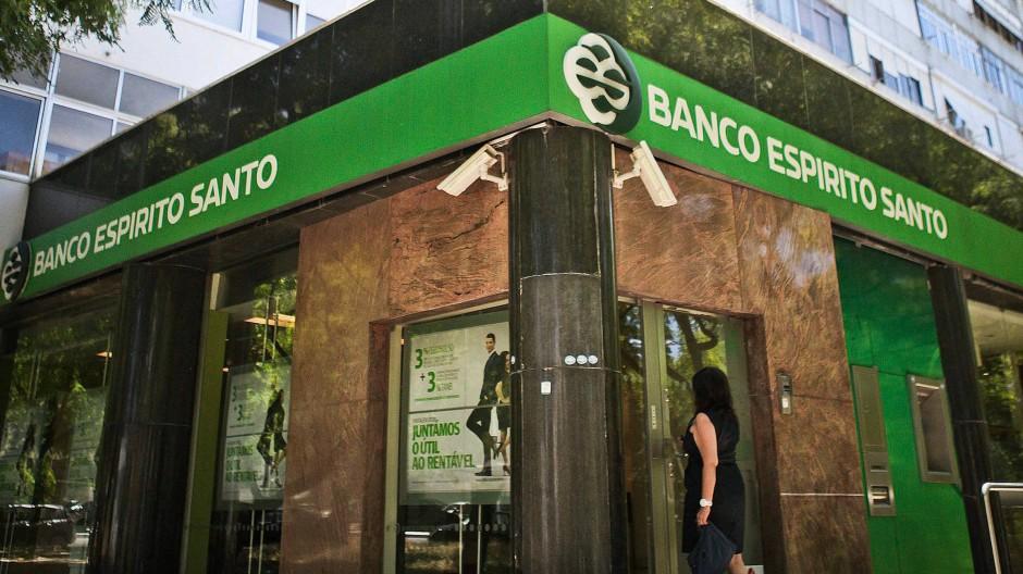 Wie sehr wurde die Bank von den Turbulenzen der gesamten Gruppe Espírito Santo in Mitleidenschaft gezogen?