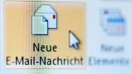 Wenn Mitarbeiter fürchten, dass der Chef vertrauliche Mail-Kommunikation mitliest, weichen sie aus.