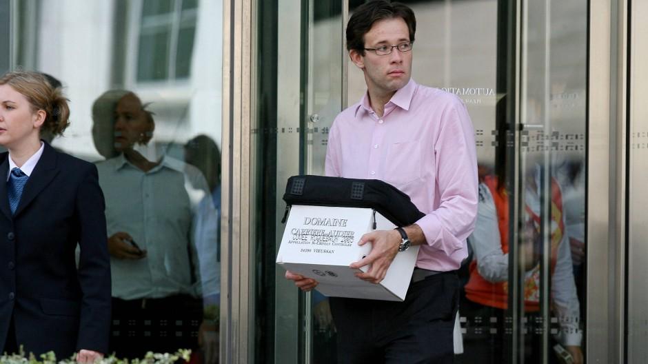 Ein Mann verlässt im September 2008 die Lehman Brothers-Zentrale in London.