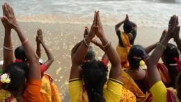 Kostenlose Brustimplantate für arme Inderinnen