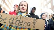 Schüler demonstrierten gerade wieder auch in Hamburg für mehr Klimaschutz.