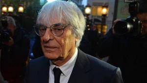 Formel-1-Chef Ecclestone im Kreuzverhör