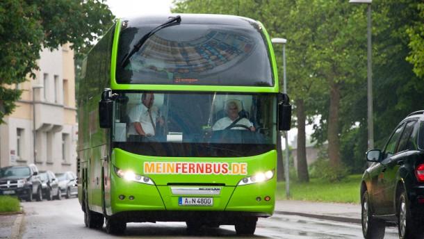 Fernbusse mit deutlich mehr Fahrgästen
