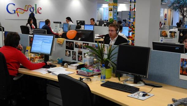 Warum verdient Google in Irland kaum Geld? Mitarbeiter in der Europazentrale in Dublin