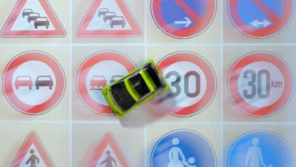 Ältere Verkehrsschilder bleiben gültig