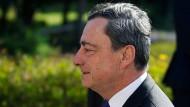 """Draghi: """"Alle Zeichen deuten auf eine breitere Erholung"""""""