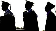 So ein Doktortitel ist richtig harte Arbeit: Oft dauert es vier bis fünf Jahre bis zur begehrten Abschlusszeremonie mit Hut.