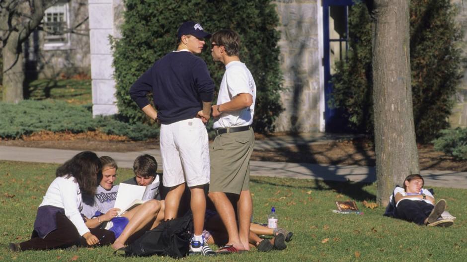 Lustig ist das Studentenleben. Aber danach haben in Amerika fast 70 Prozent der Absolventen Schulden.