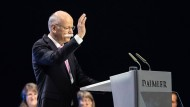 Auch der frühere Daimler-Chef Dieter Zetsche wollte nach seinem Abtritt eigentlich noch an die Spitze des Aufsichtsrats rücken. Erst nach Protesten von Investoren nahm Zetsche von der Idee Abstand.