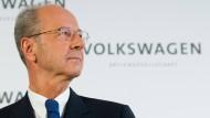 Hans Dieter Pötsch bleibt für die VW-Anleger eine Reizfigur.