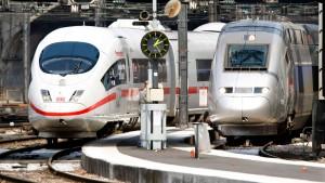 Siemens zögert Angebot für Alstom angeblich hinaus