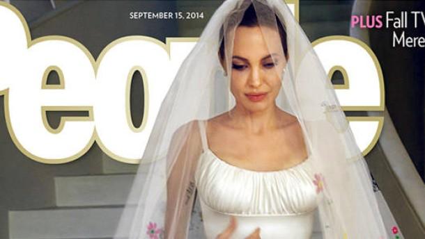 """... : Das """"People Magazine"""" zeigt Angelina Jolie im Hochzeitskleid"""