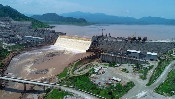 Warum Afrikas größtes Staudamm-Projekt für Streit sorgt