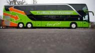 Immer mehr Deutsche fahren mit dem Fernbus