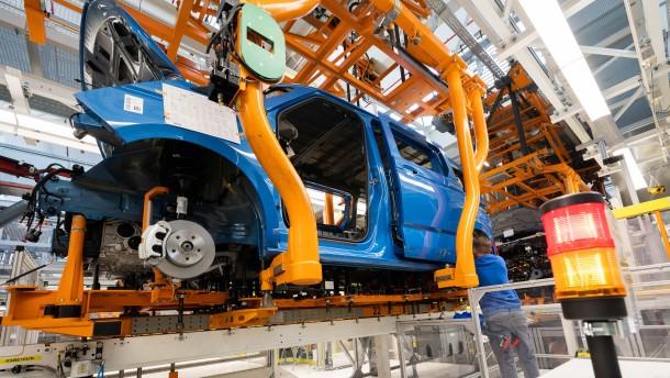 Deutsche Industrieproduktion gibt um 4 Prozent nach