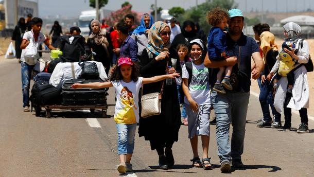 EU zahlt Millionen an Flüchtlingshilfe an den türkischen Staat