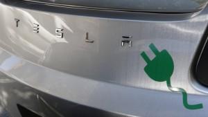 """Tesla plant mehr kostenlose """"Tankstellen"""" in China"""