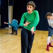 Ohne Worte: Lina Gomez aus Kolumbien zeigt, was sie beim Tanzen unter guter Körpersprache versteht.