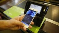 In Amerika kann man jetzt mit dem iPhone bezahlen