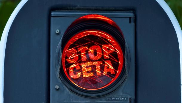 SPD-Vorstand mit großer Mehrheit für Ceta-Abkommen