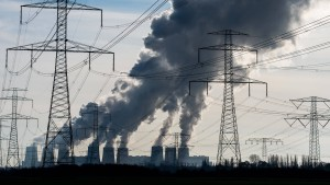 Regierung will indirekt Abschalten von Kohlemeilern erzwingen