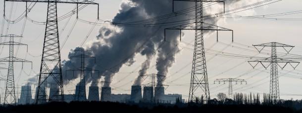 Braunkohlekraftwerk in Jänschwalde: Die Kohlemeiler sollen weniger CO2 ausstoßen.
